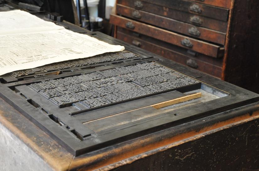 old-print-press-1520124